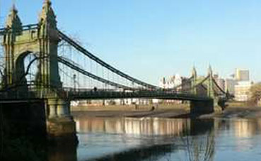 Hammersmith Bridge Closed
